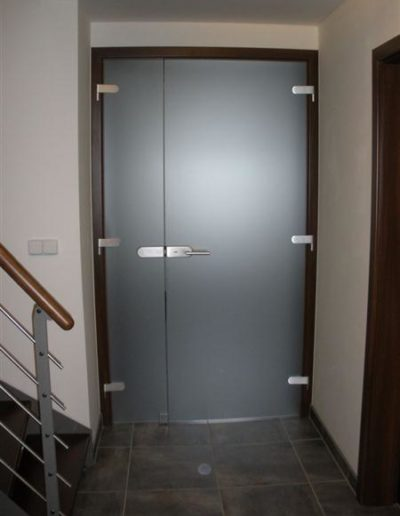 Celoskleněné dveře